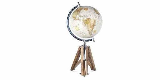 Globo del mundo con trípode